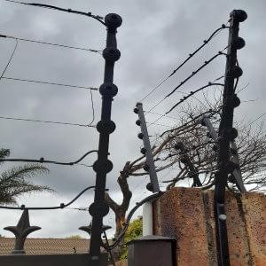 Electric fence swing gates